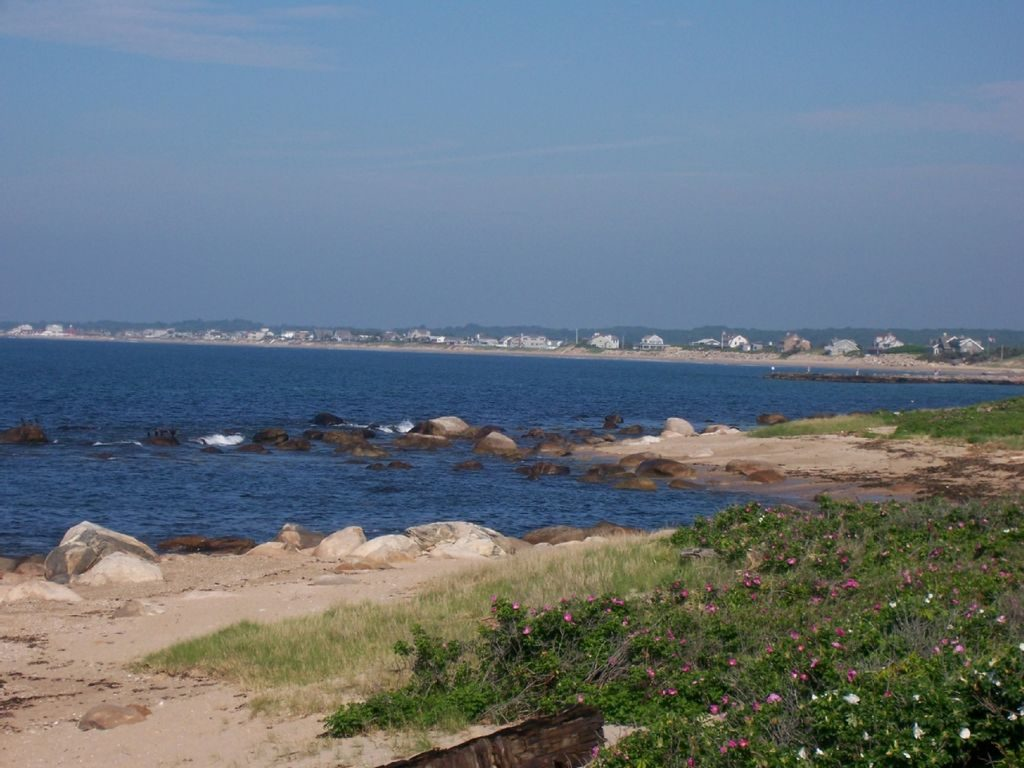 cottages beach cottage img rentals breakaway ebb tide westerly ri misquamicut